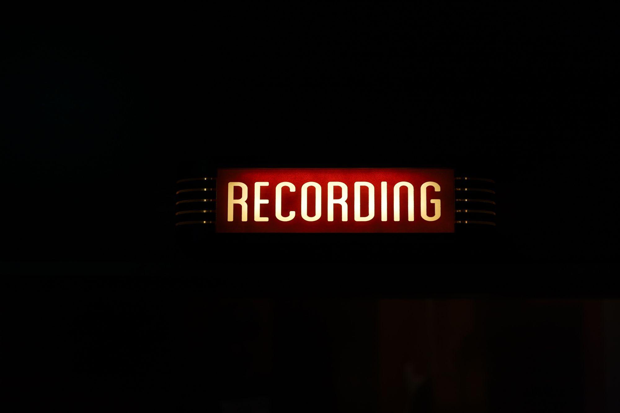 Recording light sign for studio in MTL, QC
