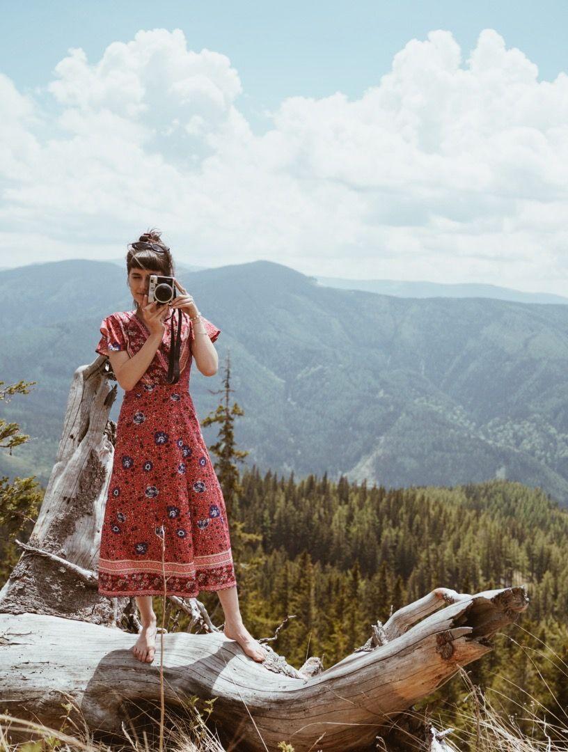 Andreea Mercurean taking a photograph
