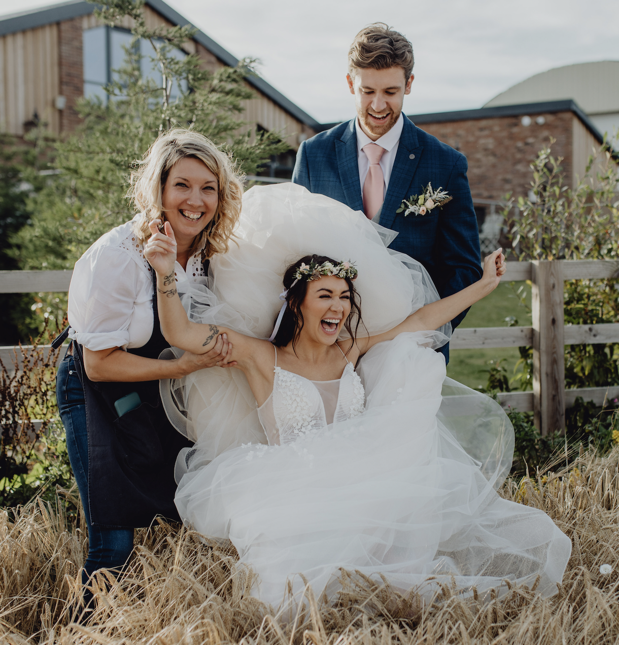 A booming wedding business that started in a garage - Wonderland Blooms