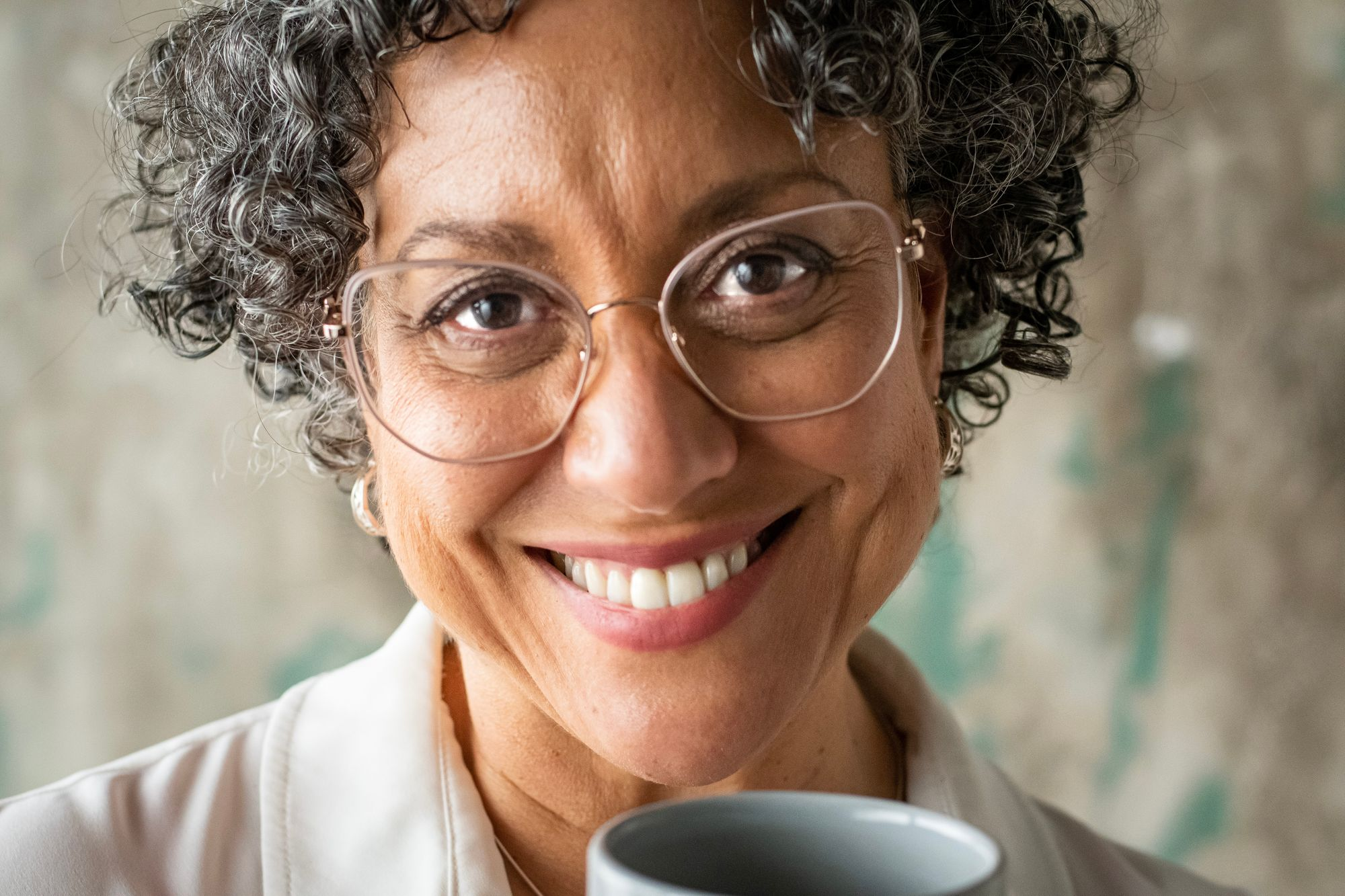 Helping female professionals find happiness with Mahara Wayman